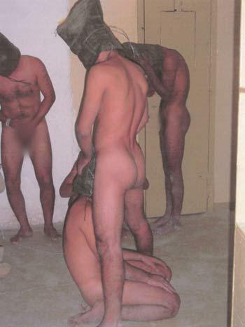 شکنجه مردم عراق بدست سربازان آمریکایی در زندان ابوغریب